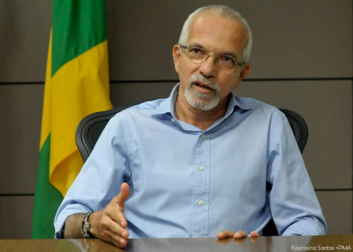 Edvaldo anuncia redução dos cargos comissionados em Aracaju