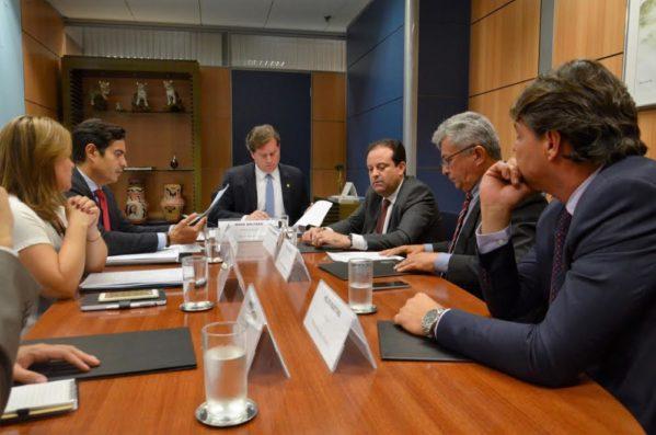 André e prefeitos sergipanos apresentam projetos ao ministro do Turismo
