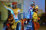 Público interage em  espetáculos apresentados no Festival de Artes Cênicas