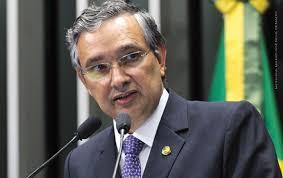 O ministro Edson Fachin, relator da Lava Jato no Supremo Tribunal Federal (STF), determinou a abertura de inquérito contra Eduardo Amorim.