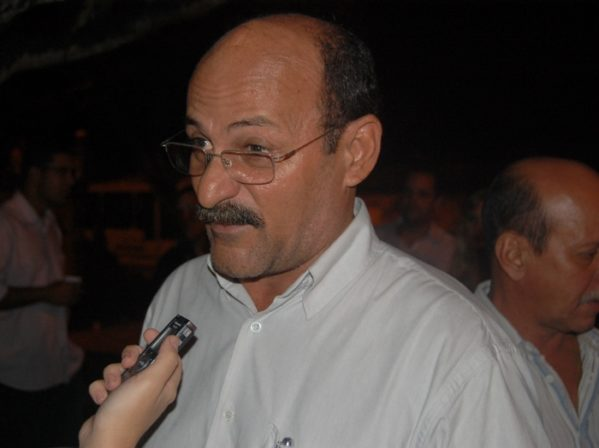 Administração do prefeito Etelvino Barreto foi duramente criticada (foto: arquivo/Infonet)