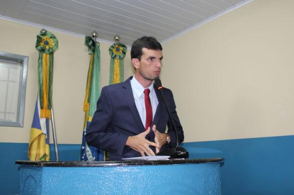 Os constantes roubos de veículos e assaltos no antigo Posto da CPRv, na Rodovia João Bebe Água, foram discutidos pelo parlamentar no Plenário da Câmara (foto: ascom/Câmara).