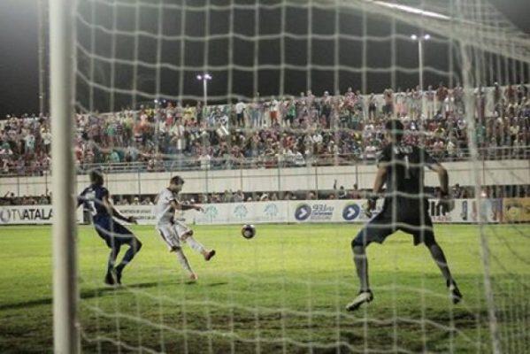 Confiança vence o Itabaiana no Mendonção e está na grande final do Sergipano