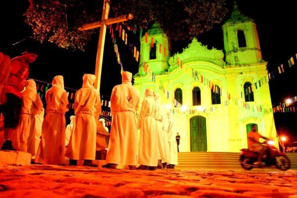 A Semana Santa de Laranjeiras é uma das maiores festas religiosas do Estado