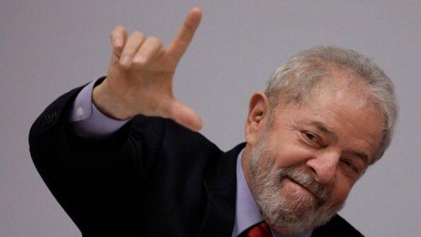 Em última tentativa de adiar depoimento, defesa de Lula recorre ao STJ