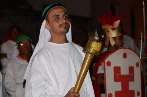 Cerimônia católica simboliza os últimos dias de vida de Cristo.