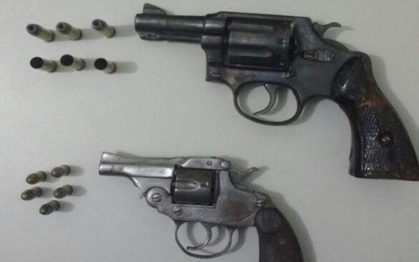 Armas apreendidas pela PM (Foto: Ascom/PM)