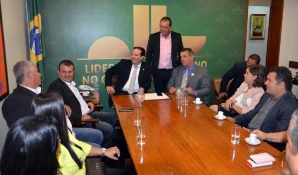 André recebe gestores municipais em Brasília antes da XX Marcha dos Prefeitos
