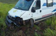 Viatura do Desipe que transportava sete internos se envolve em acidente na BR-101
