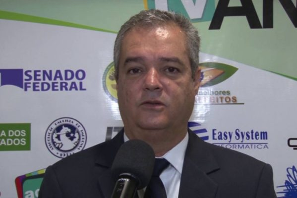 sem salário e desesperado, contratado pela Prefeitura de Capela toma veneno, diz Ezequiel Leite. (Foto: arquivo/Isergipe)