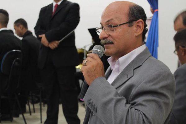 Prefeito Etelvino depende da câmara para pagar décimo terceiro. (Foto: ascom/Rosário)