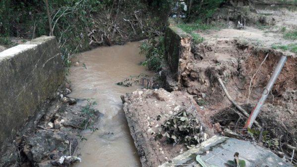 A decisão foi publicada no Diário Oficial de Sergipe nessa sexta-feira, 26, e leva em consideração a necessidade de medidas imediatas para a solução dos problemas trazidos pelas recentes chuvas.