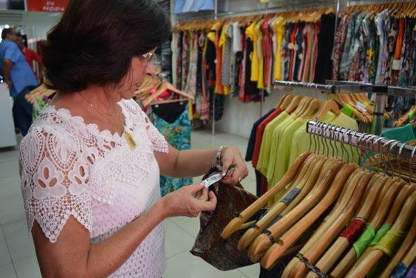 ITPS fiscaliza roupas femininas comercializadas no varejo