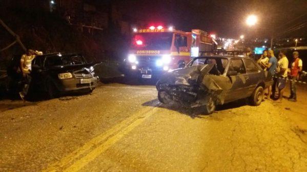 A colisão aconteceu na BR--408, Km 91,5, em São Lourenço da Mata