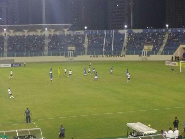 Remo venceu o Confiança por 1 a 0 dentro do Batistão (Foto: Osmar Rios / GloboEsporte.com)