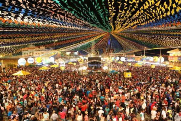 Edvaldo explica motivos pelos quais não haverá Forró Caju esse ano