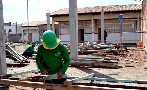 Governo retoma construção de centro profissionalizante em Indiaroba