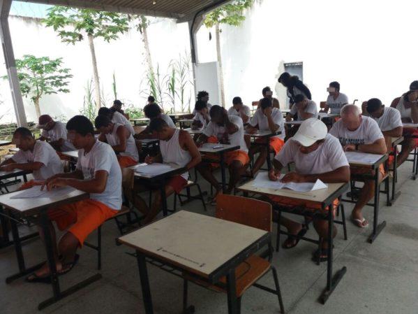 Justiça e Educação aplicam provas de supletivo nas unidades prisionais