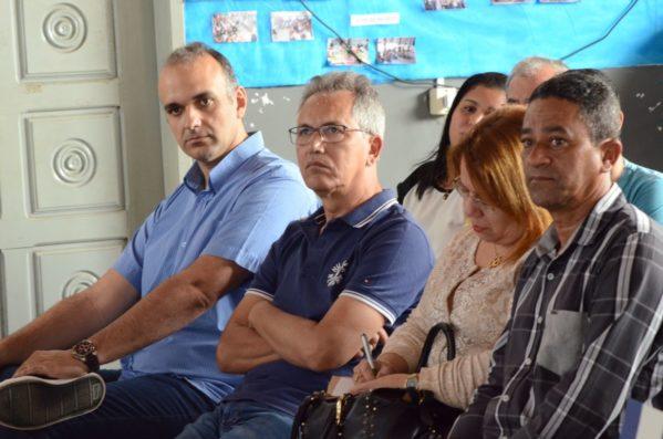 Prefeito se reúne com secretários e comunidade para discutir ações prioritárias para definição do PPA 2018/2021 em São Cristóvão