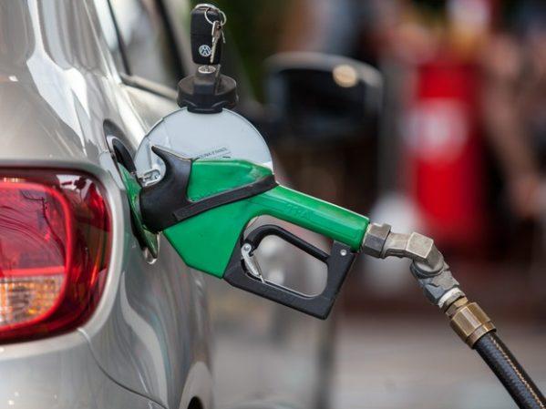 Abastecimento de combustíveis é normalizado gradativamente no país, informa o governo
