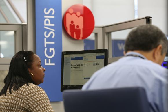 Caixa antecipa pagamento das contas inativas do FGTS para nascidos em dezembro