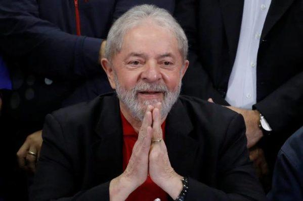 Belivaldo Chagas apresenta potencialidades econômicas de Sergipe ao embaixador de Moçambique