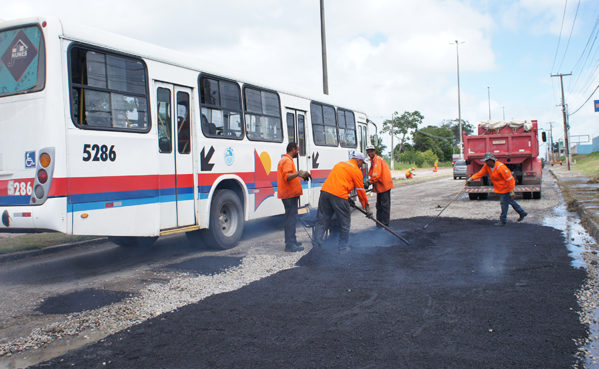 Prefeitura inicia reparos paliativos na Marechal Rondon