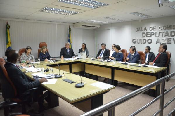 Almeida Lima presta contas da Saúde Estadual na Alese