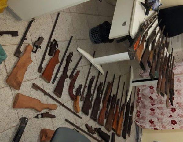 30 armas de fogo s o apreendidas em umba ba senoticias for Oficina armas