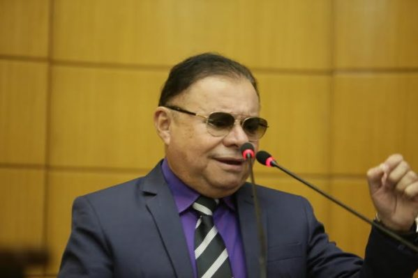 Gilmar volta a cobrar do governo Lobinha dos Bombeiros Militares