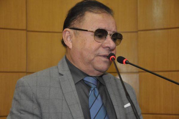 Deputado Gilmar Carvalho quer discutir crise na UFS