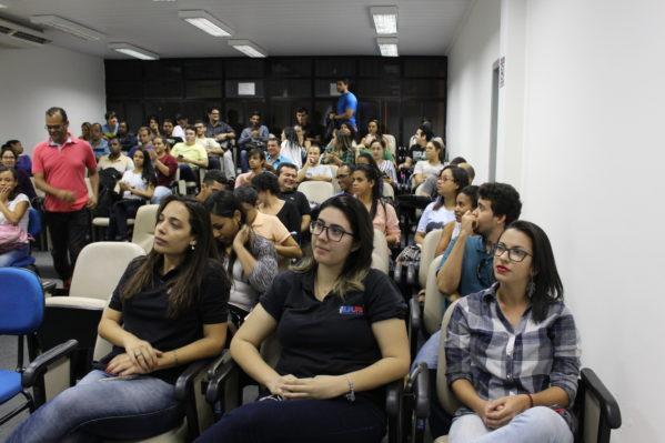 Cerca de 200 estudantes participaram do evento e puderam conhecer os resultados dos programas que estão sendo desenvolvidos no município, em parceira com a Universidade.