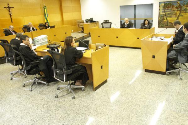 permanece suspensa até próxima sessão do Pleno do TCE