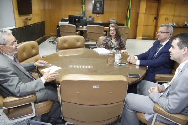 TCE e Caixa irão atualizar prefeitos sobre situação de emendas