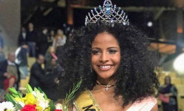 A Miss Brasil 2017 Monalysa Alcântara, do Piauí - Divulgação Leia mais: https://oglobo.globo.com/ela/gente/monalysa-alcantara-do-piaui-vence-miss-brasil-2017-21726606#ixzz4qImuwT8a  stest