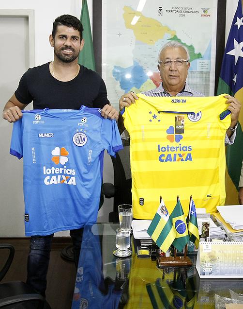 O governador assumiu o compromisso de firmar um contrato de comodato com o Atlético Clube Lagartence, para que o time possa administrar o Estádio Paulo Barreto de Menezes