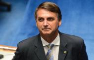 Jair Bolsonaro anuncia decreto para facilitar posse de arma a quem não tem antecedente criminal