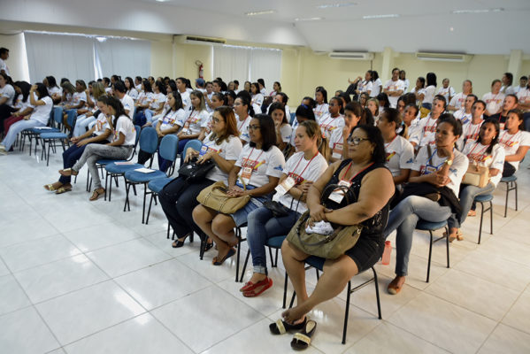 Governo lança programa para erradicação do analfabetismo