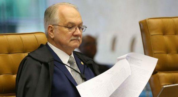 Após rejeição da Câmara, Fachin decidirá futuro da denúncia contra Temer