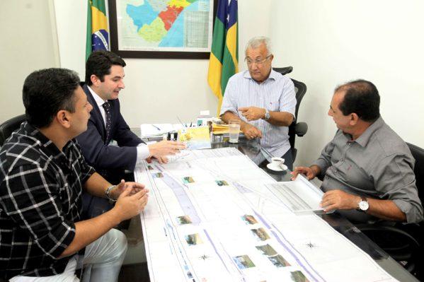 Governador e prefeito de Lagarto debatem construção de nova via de acesso ao município