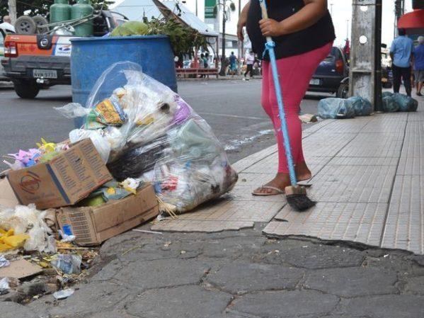Coleta de lixo em Aracaju é retomada