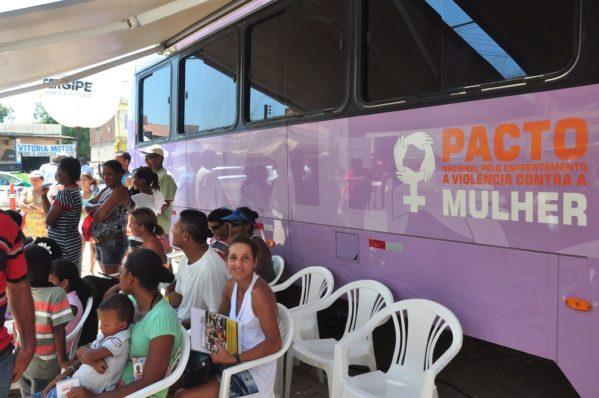 Ônibus Lilás estará presente na Gen. Valadão nesta quarta