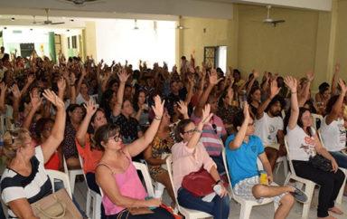 Professores de Aracaju estão em greve por tempo indeterminado
