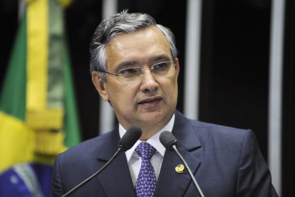 Plenário do Senado durante sessão deliberativa ordinária. Em discurso, senador Eduardo Amorim (PSC-SE) Foto: Marcos Oliveira/Agência Senado