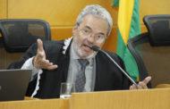 STF suspende decisão contra Clóvis Barbosa e TCE volta a ter oito conselheiros