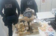 Polícia Militar prende trio por tráfico de drogas na capital
