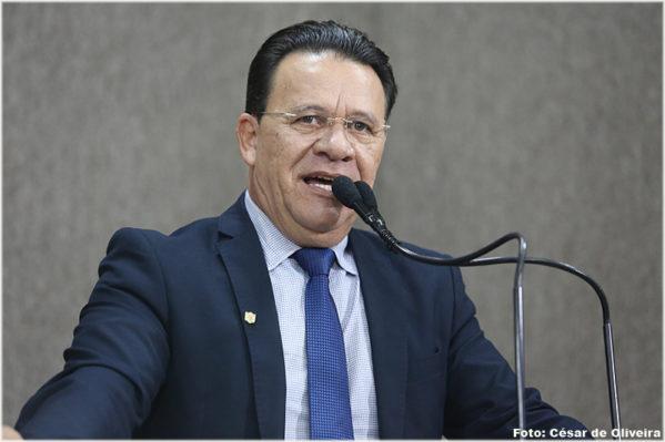 Carlito fala da sua indignação com superintendente da SMTT