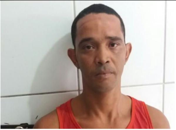 Segundo a polícia, o suspeito estava foragido desde o ano de 2013