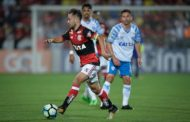 Flamengo sai atrás e empata com o Avaí na Ilha do Urubu