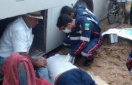 Em São Cristóvão, motorista morre esmagado enquanto tentava colocar o macaco embaixo do ônibus